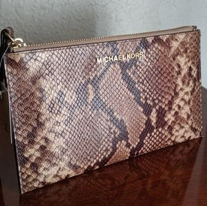 Michael Kors Jet Set Leather Clutch